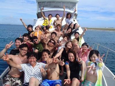 この夏の沖縄アクティビティプランは慶良間島ダイビング体験で決まり!