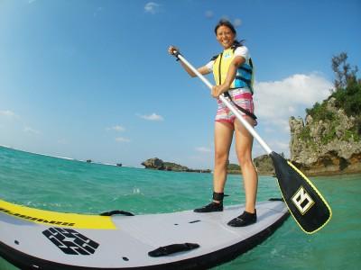 人気上昇中アクティビティ!初心者でも楽しめる、沖縄SUP体験の魅力を紹介!